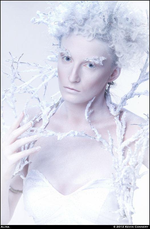 http://kevinconnery.com/photos/2012/final/1022_studio_oc/source/image/20121021_163414r1.jpg
